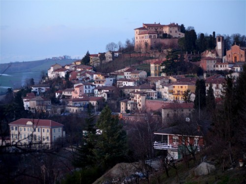 Ozzano Monferrato - ai piedi del castello.....