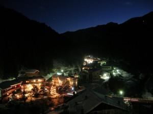 Vista notturna di Pederoa