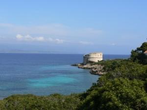 spiaggia del Lazzaretto - torre di guardia