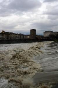 L'Arno in tempesta