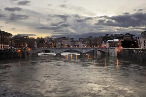 Roma - Uno sguardo sul Tevere
