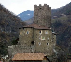 Castel-Schloss Novale