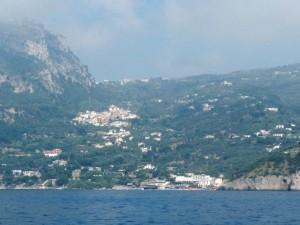 dal mare una vista di Marina del Cantone