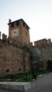 La Torre con l' orologio