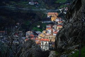 Castelmezzano dietro le rocce