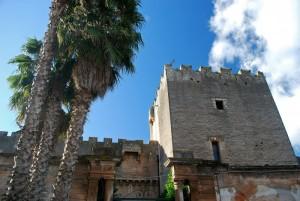 la torre quadrata del castello di San Vito dei Normanni