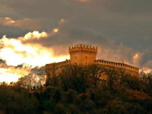 Gradara - Castello Gradara al tramonto