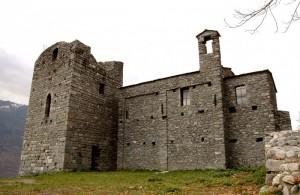 Una torre e una chiesa