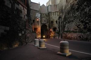 Antica porta S.Pancrazio e moderni viaggiatori
