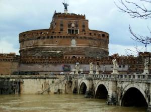 Il Castello sorveglia il fiume tranquillo….
