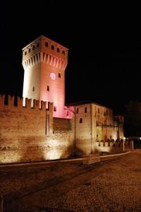 Il castello di Formigine di notte