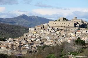 Il castello e panorama del borgo