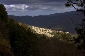 Giochi di ombre e luci su Ucria