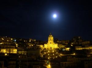 Modica: la Luna di San Giorgio