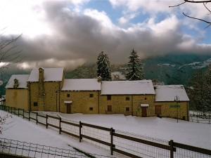 case del 1400 sotto la neve
