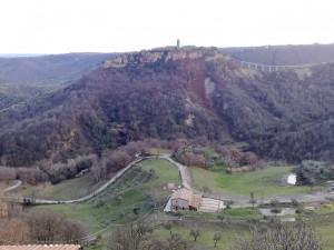 Veduta di Civita di Bagnoregio da Lubriano.
