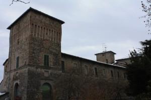 Un velo di neve sui tetti della Rocca di Pannocchia