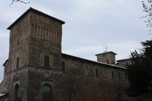 Parma - Un velo di neve sui tetti della Rocca di Pannocchia