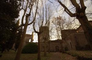 Ammirando dal Giardino ove e in loco il pozzo Vercellino dentro i ruderi del Castello VIsconteo
