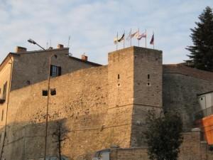 Le mura di Apiro