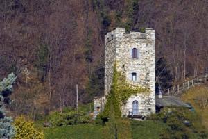 Torre di segnalazione Medioevale lungo la Strada Regina