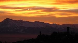 murazzano al tramonto in inverno