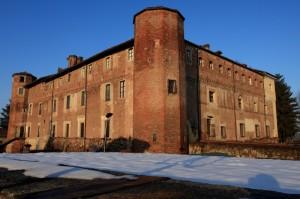 il Castello dei Solaro nella neve