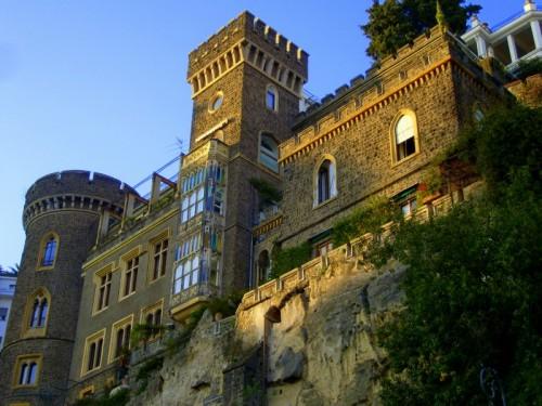 Napoli -  Il Castello Aselmayer,  stupenda architettura vittoriana