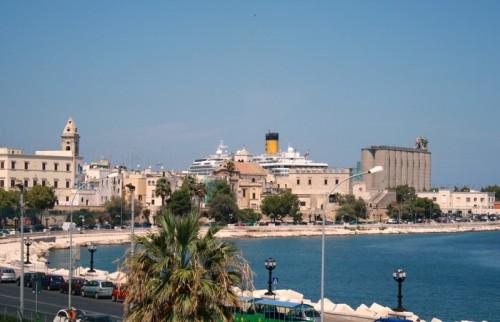 Bari - Ai confini della città...un mondo tutto blu
