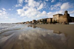 Nettuno… Panorama con Forte Sangallo