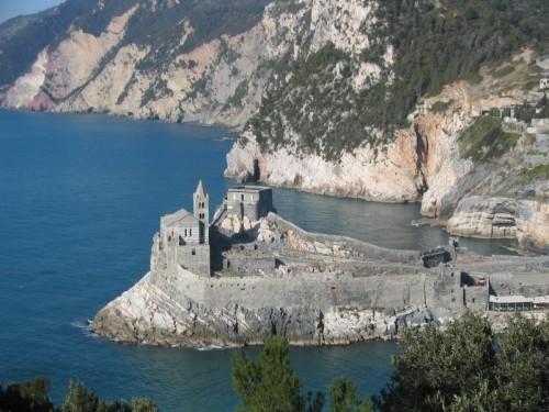 Portovenere - chiesa di san pietro e torre doria
