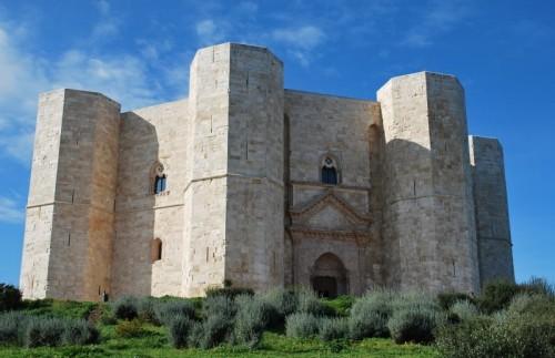 Andria - Castel del Monte punto e basta
