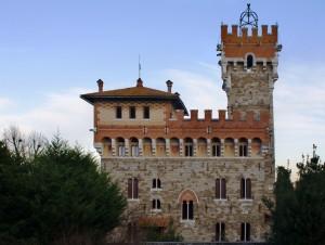 La facciata del castello Lupinari