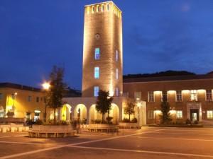 La torre con i vetri colorati