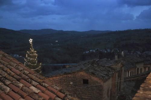 Belforte del Chienti - Dai tetti di Belforte....