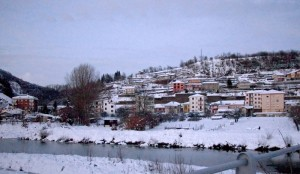 Le case e il fiume Bormida