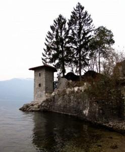 Torre di avvistamento sul lago Maggiore.