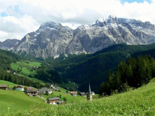 La Valle - La Val e i prati dell'Armentara