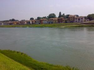 Di là dal fiume