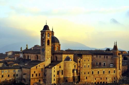 Urbino - L'imponenza del Palazzo Ducale
