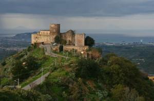 il castello sulla valle del mela