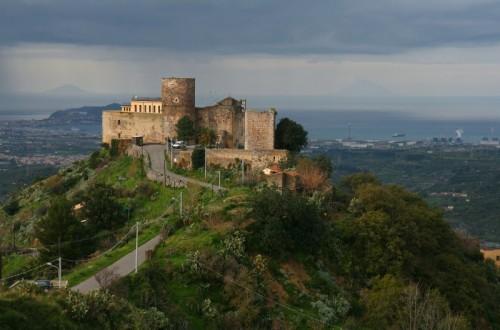 Santa Lucia del Mela - il castello sulla valle del mela