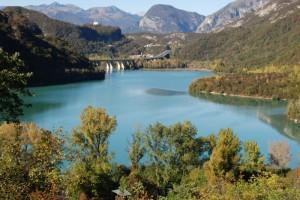 autunno sul lago di Cavazzo