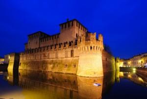 Fontanellato - La Rocca si veste di blu