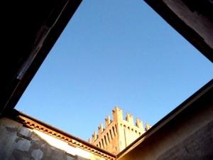 Rocca di San Martino in Rio…geometrie nel cortile interno