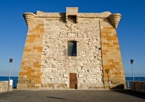 l'austera Torre di Ligny