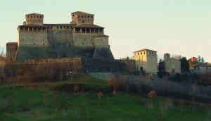 ultime luci sul castello di torrechiara