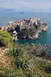 Gaeta Medioevale con il castello Angioino Aragonese