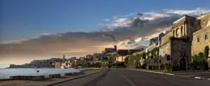 Gaeta - Il lungomare con il castello Angioino aragonese