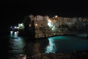 mi tuffo nel mare di Polignano, perla dell'Adriatico?